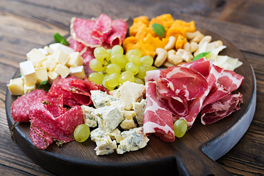 antipasto-catering-platter-with-bacon-jerky-PMP8D73 (1)